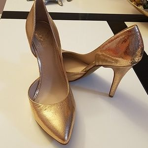 Natural leather heels by Vince Camuto